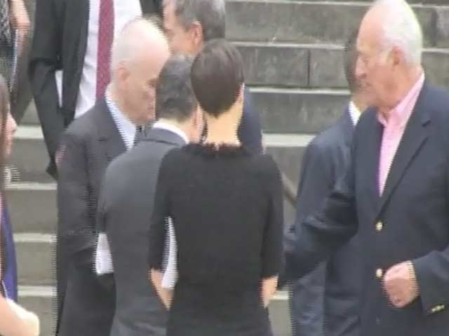 David Chase And Aida Turturro Are Among Funeral Goers At The Service For James Gandolfini - Part 2