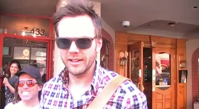 Joel McHale Makes Fun Of Paparazzi Fashion While Out In LA