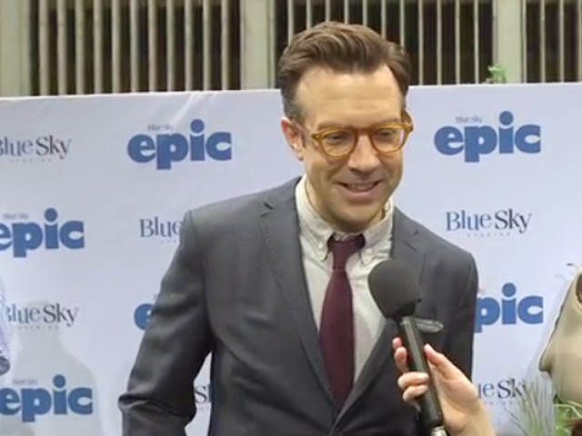 Jason Sudeikis On His 'Absent-minded' Character Bomba In An Interview At The 'Epic' Premiere