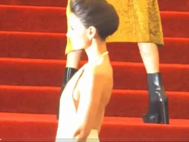 Katie Holmes Has A Dangerously Long Train On Her Dress At The Met Gala 2013