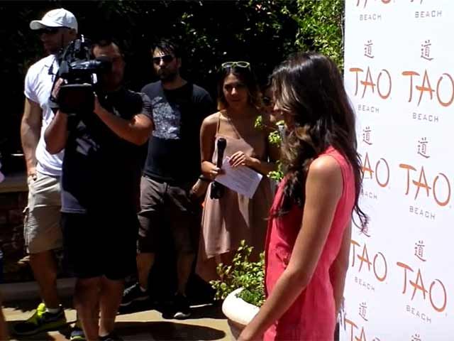 Odette Annabel Is Pretty In Pink At Tao Beach Opening In Las Vegas
