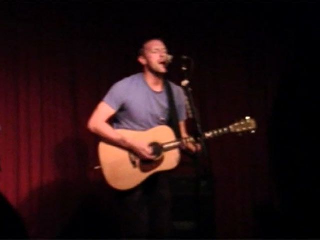 Chris Martin Entertains His Audience In LA During His Live Set