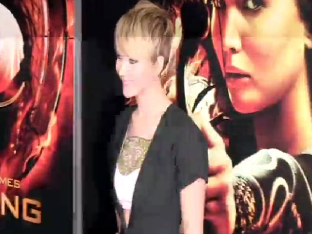Jennifer Lawrence Dons Smart Black Number At 'The Hunger Games: Catching Fire' NY Premiere - Part 1