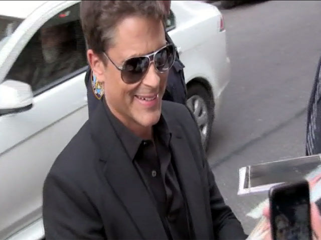 Rob Lowe Picks Fans Over Photos Outside 'Letterman' Studios