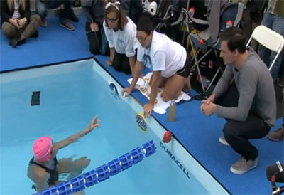 Olympic Swimmer Ryan Lochte Meets Record Breaker Diana Nyad As She Swims For Sandy Relief
