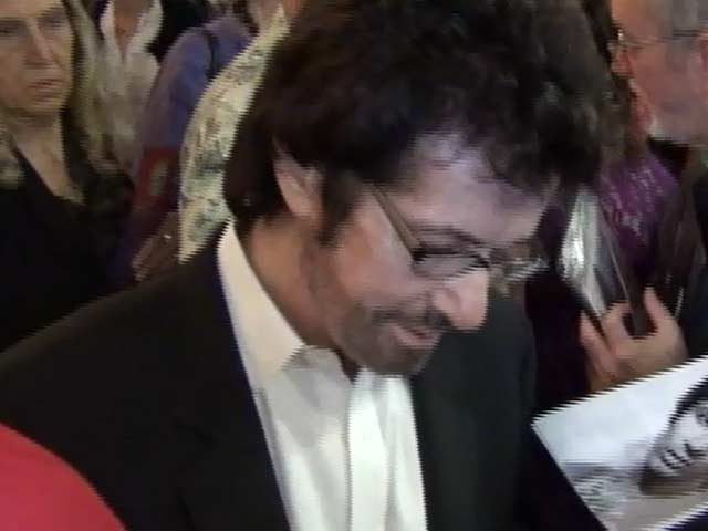George Chakiris Signs For Fans At 'The Wizard Of Oz' Opening Night In Hollywood - Part 6