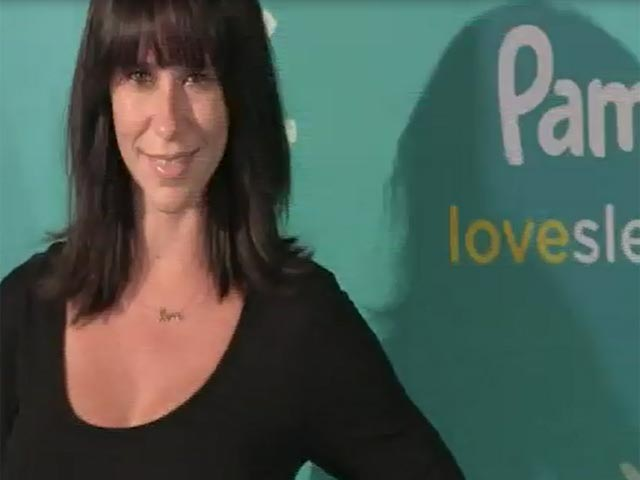 Jennifer Love Hewitt Displays Baby Bump At Pampers Campaign Launch