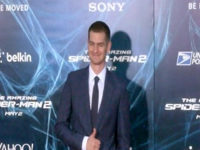 Andrew Garfield Makes His Entrance At 'The Amazing Spider-Man 2' NY Premiere - Part 2