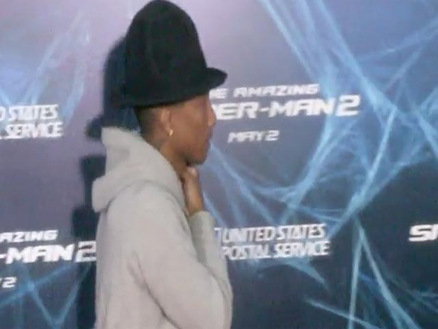 Jamie Foxx Poses With His Electro Mini-Me Daughter At 'The Amazing Spider-Man 2' NY Premiere - Part 4