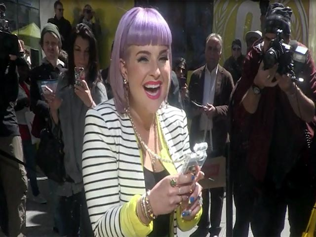 Kelly Osbourne Takes Selfies At The 'Wheat Thins Popped' Launch