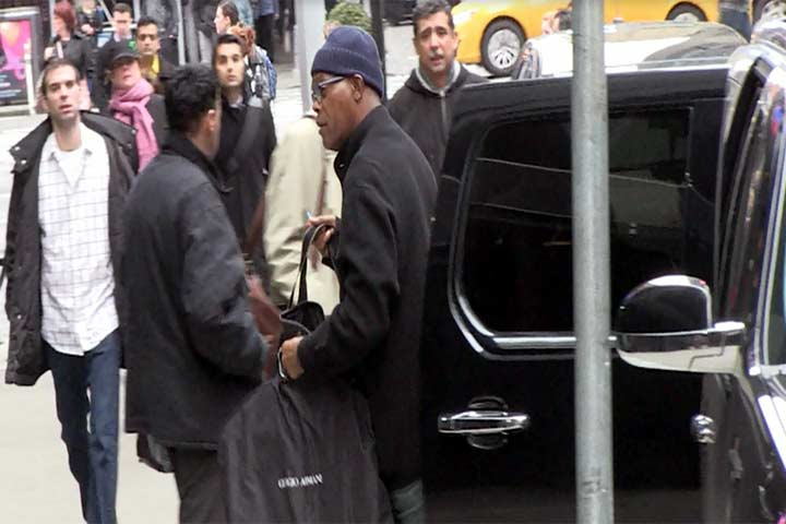Samuel L. Jackson Seen Carrying His Suit Outside 'Good Morning America'