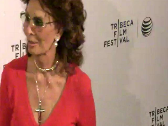Sophia Loren Takes Her Family To The Tribeca Premiere Of Film Short 'Soul Survivors'