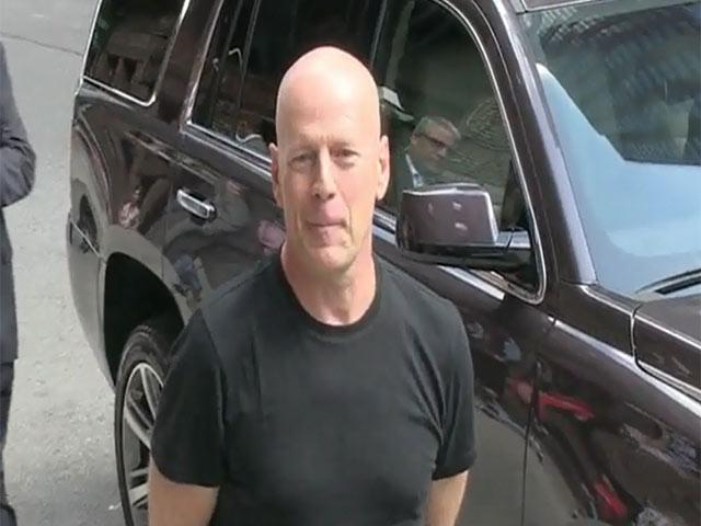 Bruce Willis Dresses Down Outside 'Letterman'