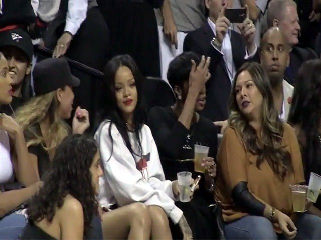 Rihanna Seems Unimpressed With Chris Brown During Warm-Up For Game - Summer Classic Charity Basketball Game Part 2