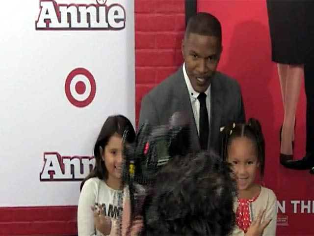 Jamie Foxx Takes Kids To 'Annie' NY Premiere - Part 4