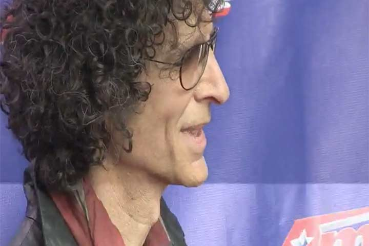 Howard Stern Looks Uber Cool As Usual For The 'America's Got Talent' Season 9 Photocall