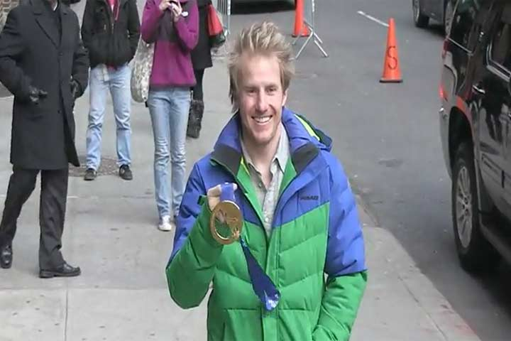 Sochi Olympic Skier Ted Ligety Lets Paparazzi Touch His Gold Medal Outside 'Letterman'