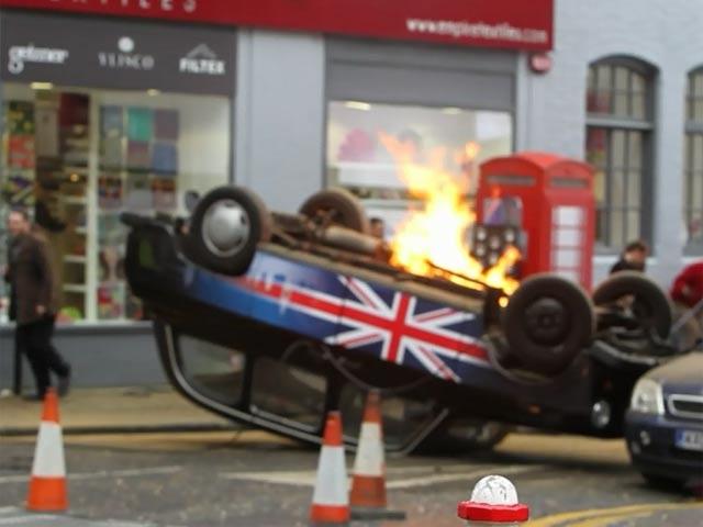 Kiefer Sutherland Films Burning Car Scene On The Set Of '24' - Part 2