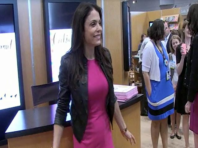 Bethenny Frankel Promotes Children's Book 'Cookie And Peanut' At Book Expo America 2014
