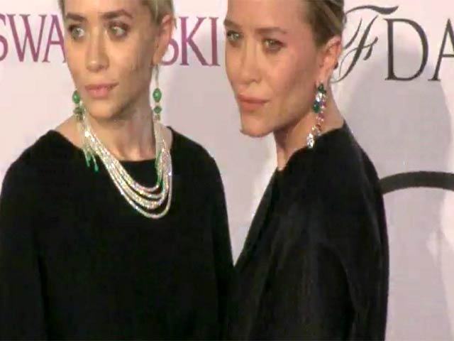 Mary-Kate Olsen and Ashley Olsen Co-Ordinate At The 2014 CFDA Fashion Awards - Part 1