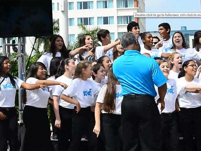 The Cast Of 'Rio 2' Enjoy An Upbeat Musical Choir At The Fontainebleau Miami Beach Premiere