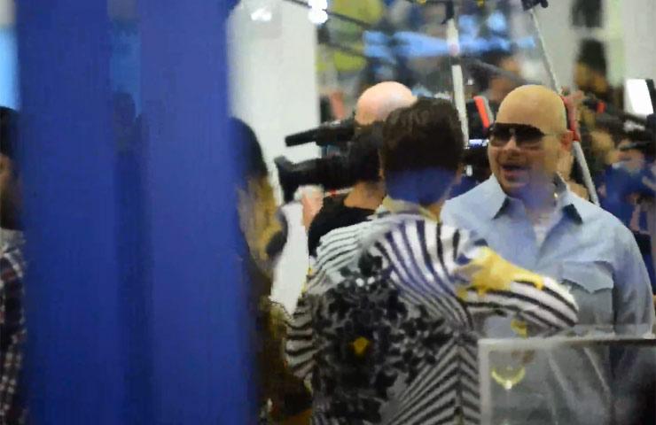 Scott Disick And Fat Joe Catch Up At Kardashian Clothing Store Opening - Part 5