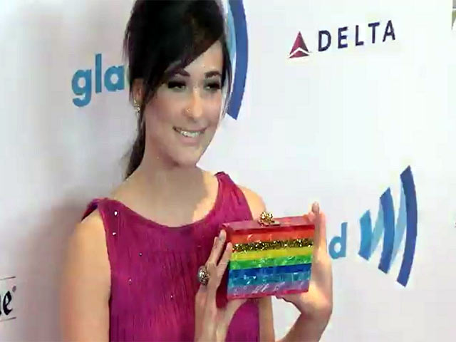 Kacey Musgraves Shows Off Rainbow Bag At The 25th Annual GLAAD Media Awards - Part 5