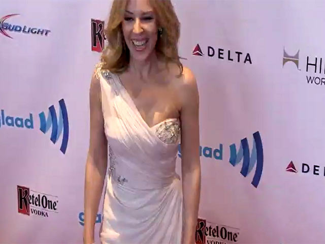 Kylie Minogue Was Stunning In White At The 25th Annual GLAAD Media Awards - Part 6
