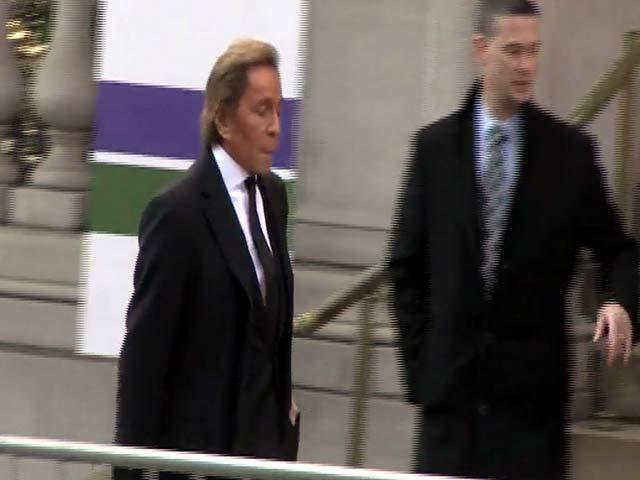 Anna Wintour And Michael Kors Among Guests At Oscar De La Renta's Funeral - Part 1