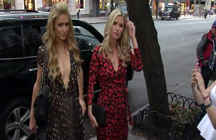 Nicky And Paris Hilton Appear For Promotion Of Nicky's New Book '365 Style'