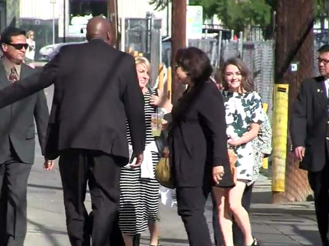 Maisie Williams Waves At Photographers Outside 'Jimmy Kimmel Live'