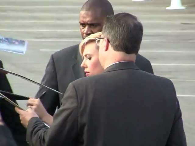 Scarlett Johansson Signs Autographs Outside The 30th Independent Spirit Awards - Part 1
