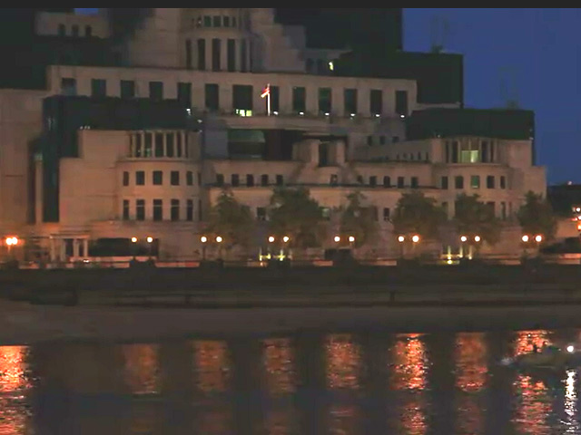 James Bond Flick 'Spectre' Filmed On The Thames - Part 1