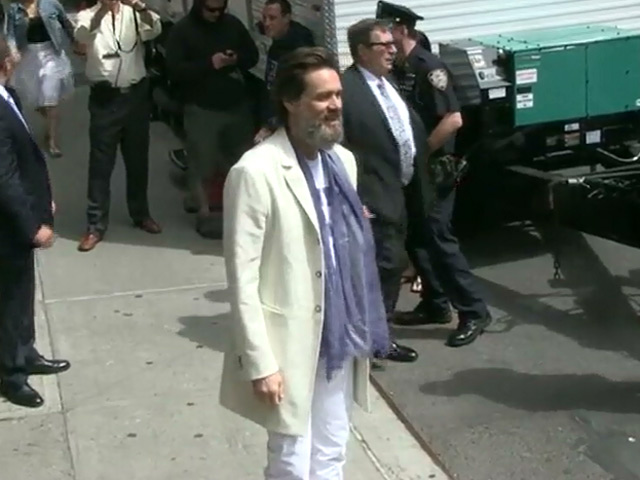 A Bearded Jim Carrey Dons 'Spank You' Shirt For Last 'Letterman' Show - Part 1